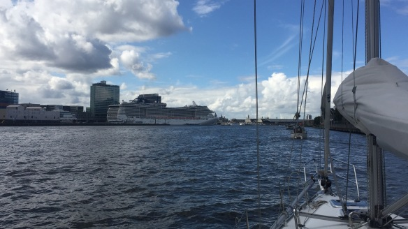 170915_Cruise Ship